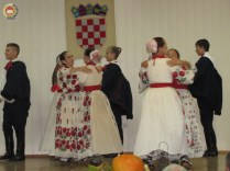 6-vecer-folklora-pokuplje-u-srcu-lasinje-62