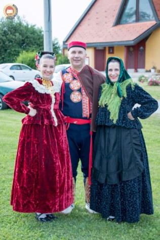 cjelovecernji-folklorni-koncert-odraslih-skupina-33