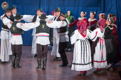 cjelovecernji-folklorni-koncert-odraslih-skupina-58