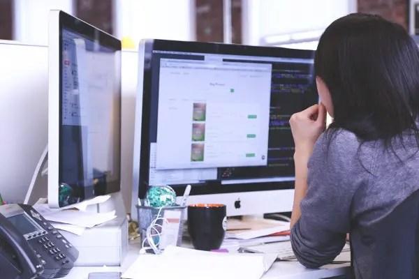 プログラミング 初心者 独学 学ぶ