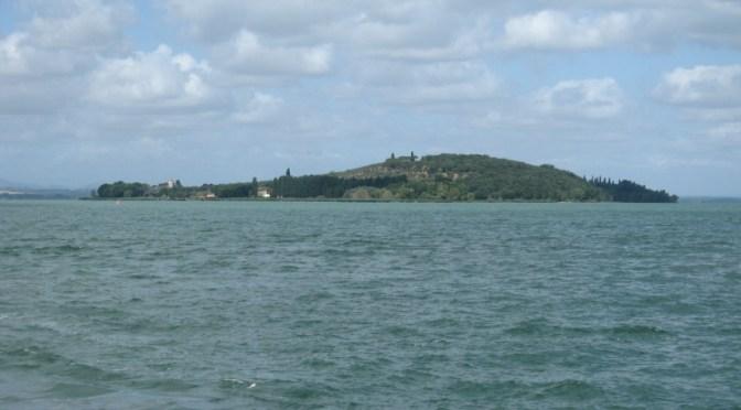 Isola Polvese in vendita: cresce il coro dei contrari