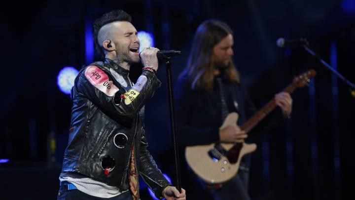 Maroon 5 debutó en Viña 2020 con polémico show de éxitos