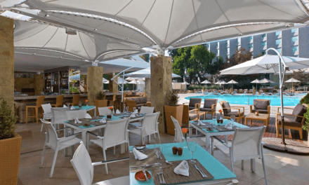 LOS HOTELES RITZ CARLTON SANTIAGO Y SHERATON SANTIAGO OFRECEN PROPUESTAS PARA EL DIA DE LA SECRETARIA