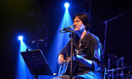 """El cantautor y guitarrista chileno Víctor Hugo presenta la canción """"Luz"""", single perteneciente al disco """"Una tierra""""."""