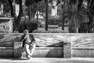 A nap on a bench in La Habana ? - Une petites sieste sur un banc dans La Havane ?