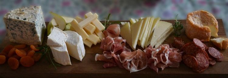 Påskens ostebord