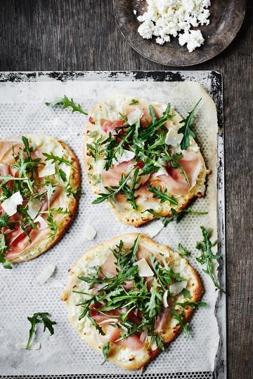 Pizza bianca med ricotta