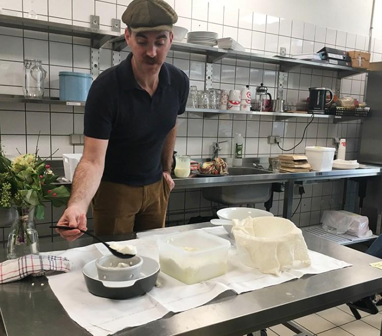 Davd Asher laver ost