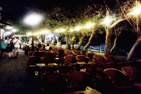 Ночная жизнь города Кос фото