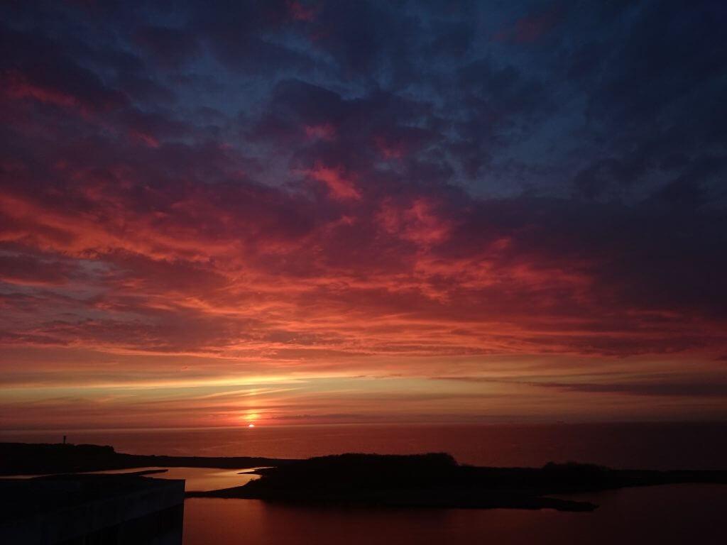 Der Himmel ber Heiligenhafen  Ostsee  Sonne  Meer