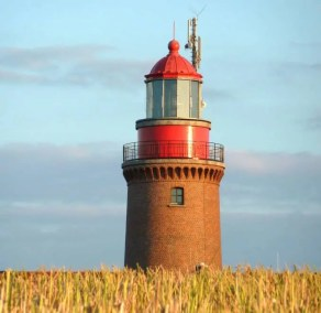 buk-leuchturm-bastorf-sommer Wohin an der Ostsee?