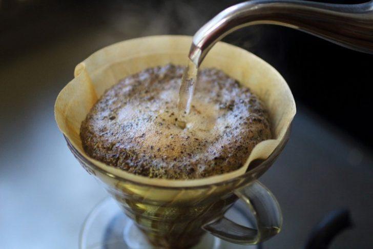 コーヒーを飲みすぎると禿げるって本当?原因や理由は?