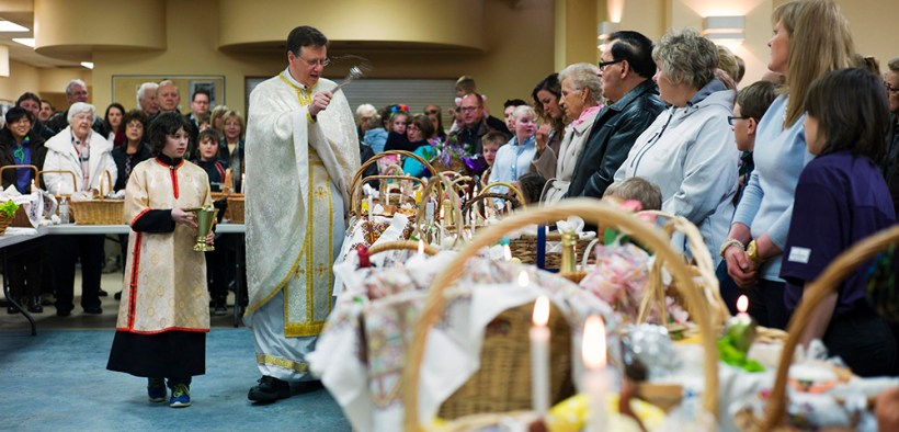 CANADA UKRAINIAN BLESSING EASTER BASKETS