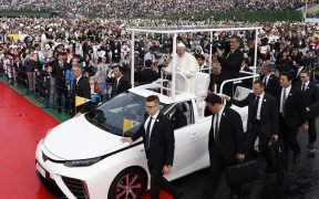 FILE HYDROGEN POPEMOBILE JAPAN