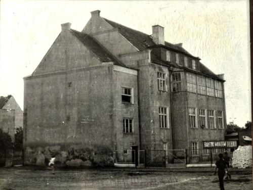 Stary budynek internatu