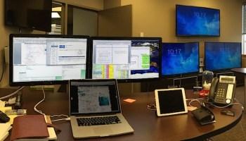 Mac Setup: MacBook Pro with Twin 24″ Displays
