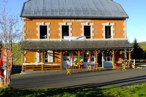 The cafe at le Gare de Landeyrat