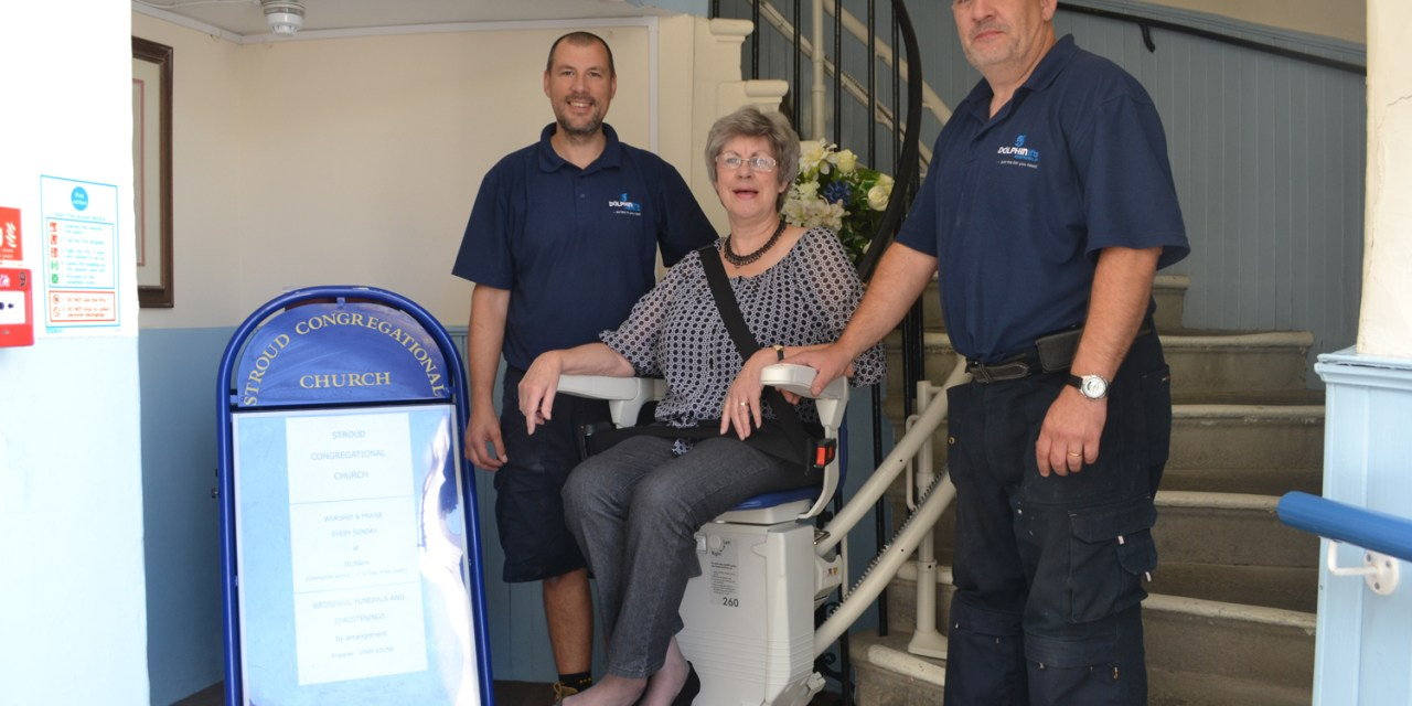 DOLPHIN LIFTS WESTERN COMES TO THE RESCUE AT  STROUD CONGREGATIONAL CHURCH