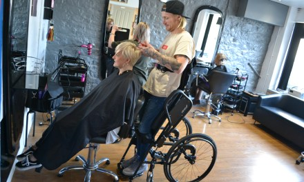 Hairdressing dream realised with help of standing wheelchair