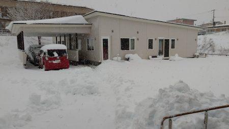 大雪はつらい