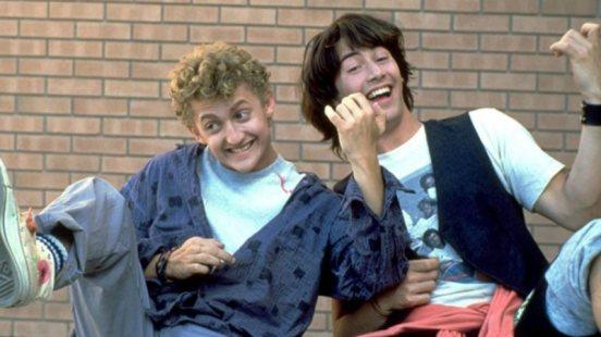 Bill e Ted fazendo a guitarra aérea - 10 filmes rock and roll para sentir a música - Otageek