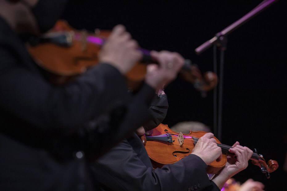 Violinistas em Jazz Sinfônica
