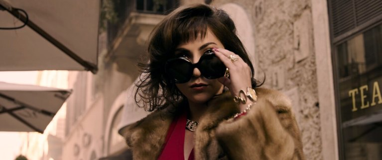 Lady Gaga no trailer do filme Casa Gucci.