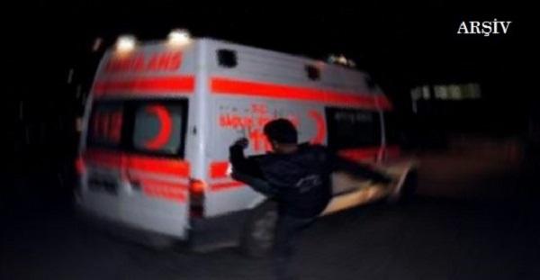 KOZAN'DA ÖLEN KÖPEKLERİNİ HASTANEYE GÖTÜRMEYEN 112 ACİL ÇALIŞANLARINI DÖVDÜLER
