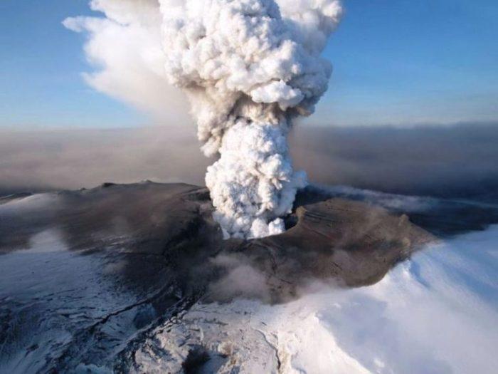 Какие вулканы являются местными достопримечательностями