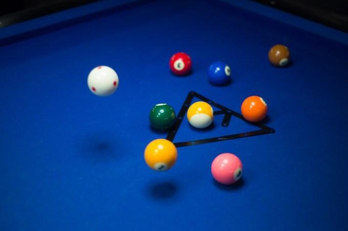 pool-1423861_960_720