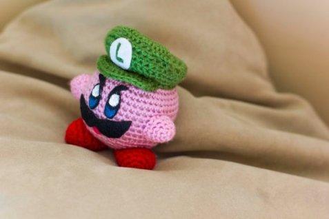 luigi_s_creepy_death_stare_crochet_amigarumi_by_bryanheemskerk-d7ltsyn