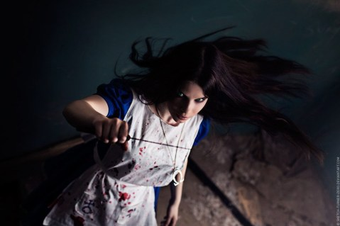 alice_madness__i_am_broken_by_anastasya01-d6faaq7