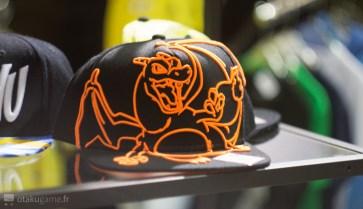 Une casquette de Dracaufeu stylisée