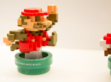 Amiibo Mario Pixel classic color sheme