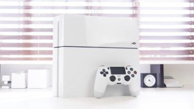 Le PS4 blanche en promotion à 299€ !