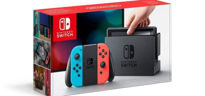 La Nintendo Switch dans son éditeur bleu et rouge.