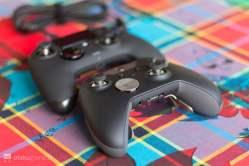 La Nacon Revolution face à la Manette Pro Xbox Elite.