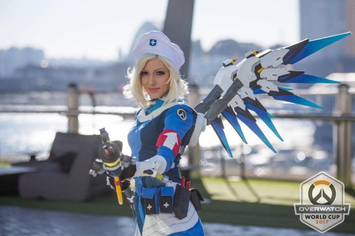 Ce cosplay d'Ange en Dr. Ziegler est vraiment très réussi !