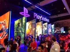 Le stand de Sony était particulièrement soigné cette année, et faisait face à Nintendo !