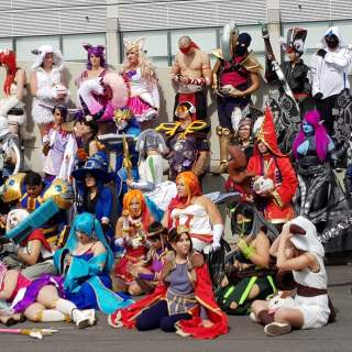 Des centaines de cosplayers League of Legends regroupés !
