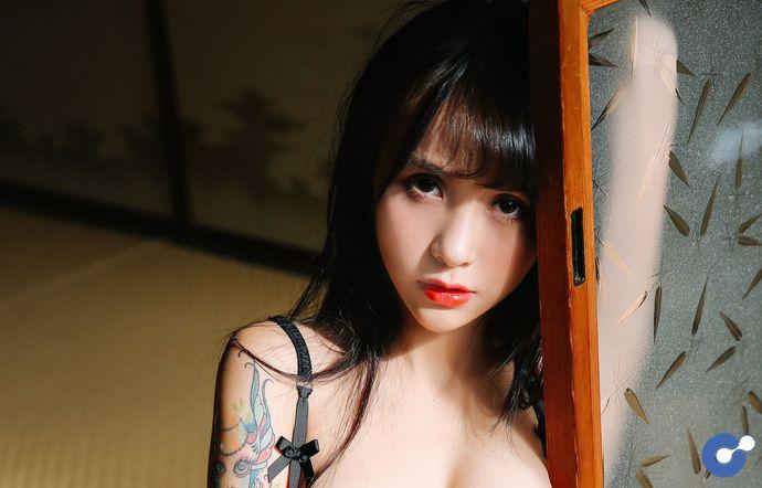 Xia Mei Yang - Vẻ đẹp và sự gợi cảm trên từng centimet