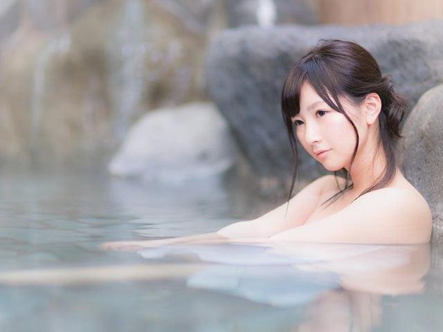 Vì sao người Nhật cảm thấy thoải mái khi khỏa thân trước người lạ?
