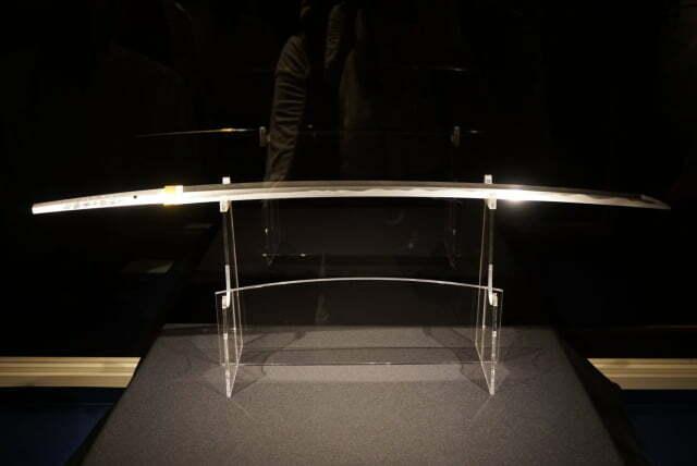 Thanh gươm lưỡi ngược của Rurouni Kenshin đã xuất hiện ngoài đời thật