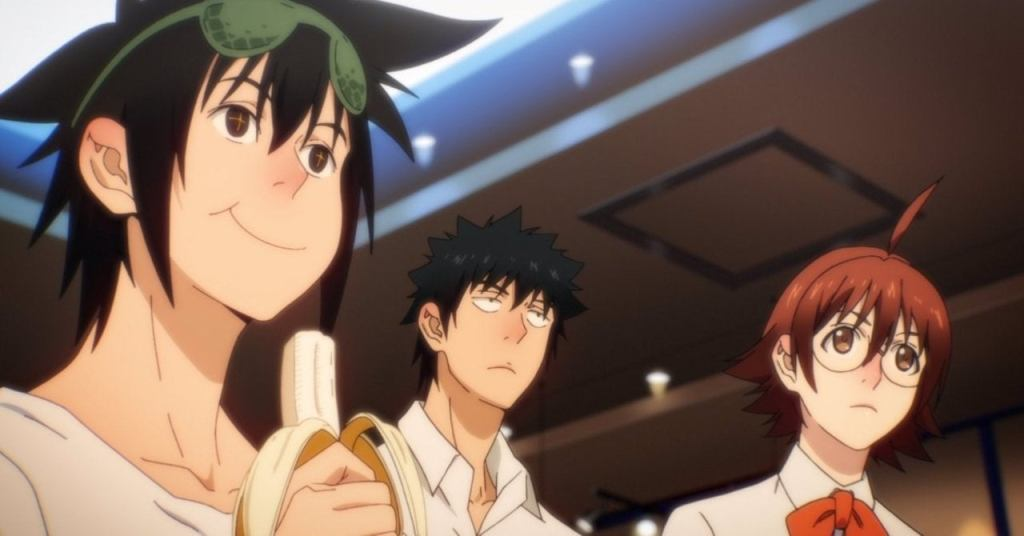 Jin, Han, and Mira watching the fight in episode 2 of The God of High School