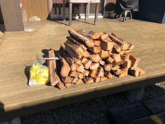 【キャンプ、焚き火用】薪束を作る。
