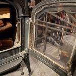【炎がキレイ】薪ストーブのガラスを磨く