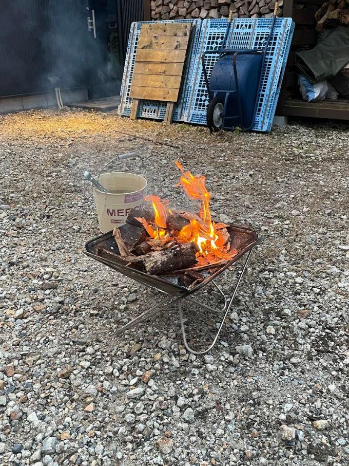 【焚き火】焚き火楽しんでいます。