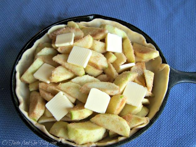 upside down apple pie 083