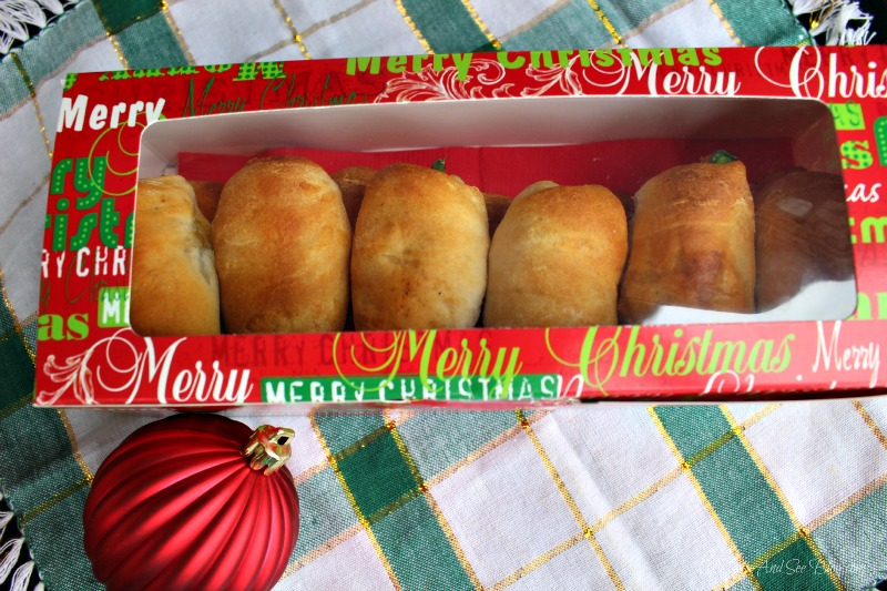 Kolache Christmas Wreath #joy2theeal ad