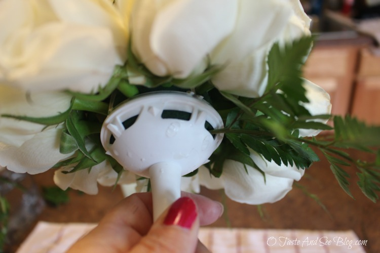 DIY Bridesmaids Bouquet #ad #FiftyFlowers